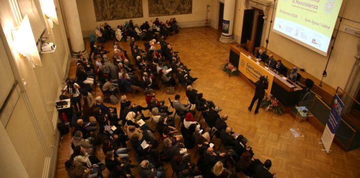 """Notevole successo della tavola rotonda """"Spiritualità e Nonviolenza"""" a Udine"""